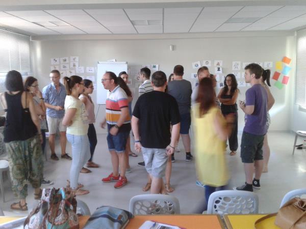 Removing Linguistic Barriers en Huelma